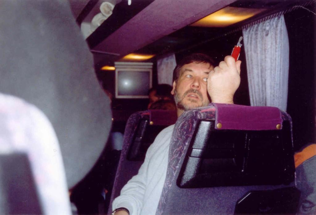 13.11.2004 Auf nach Berlin ins Tempodrom - 6.00 Uhr und schon'n Bier?