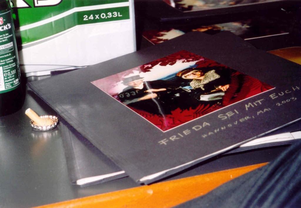 13.11.2004 Auf nach Berlin ins Tempodrom - Warten Back Stage