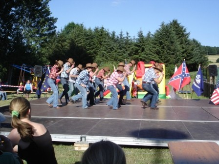 Die Holster Line Dance Gruppe in Aktion!