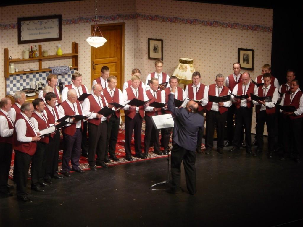 11.05.2005 Erster Premierenauftritt im Theater am Aegi
