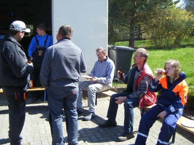 17.04.2010 Frühjahrsputz in Oberholsten mit der FFW Niederholsten