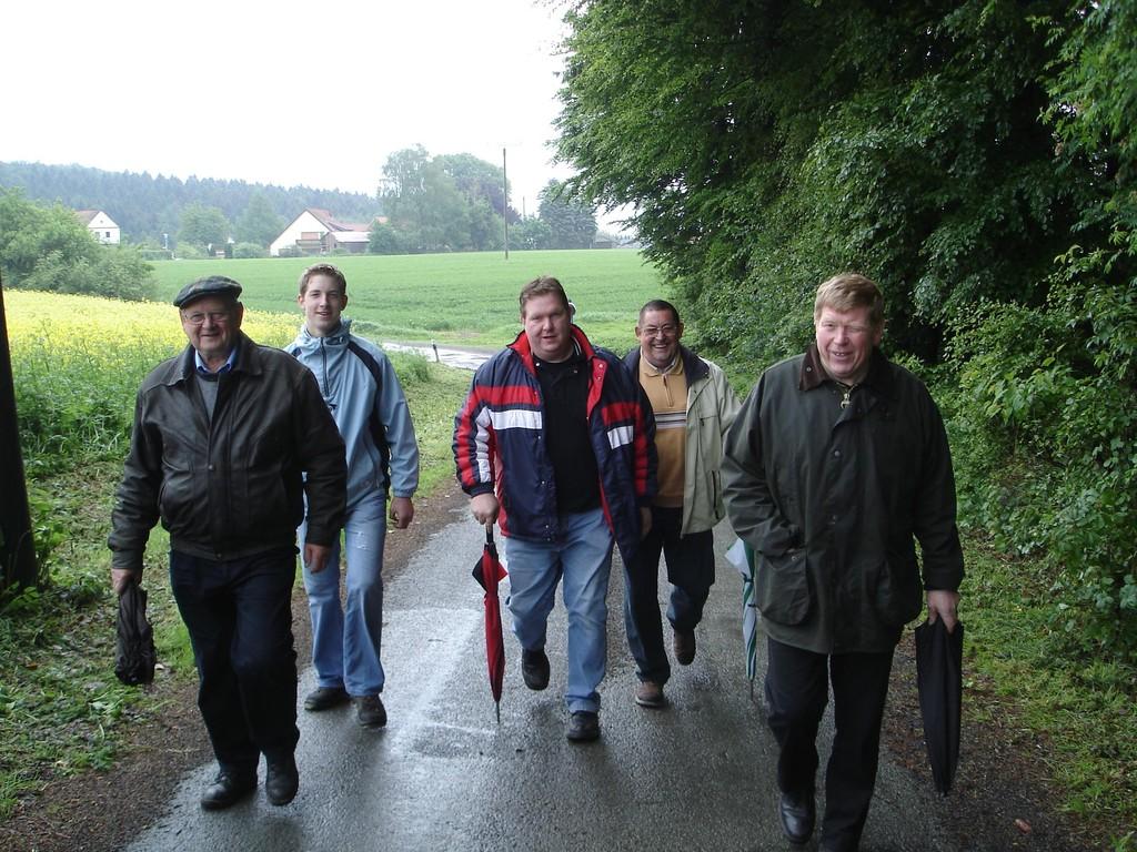 Himmelfahrtsgottesdienst > Wanderung > gemütliches Beisammensein