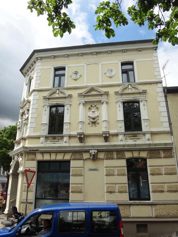 Eines der zahlreichen Gebäude aus der Gründerzeit.