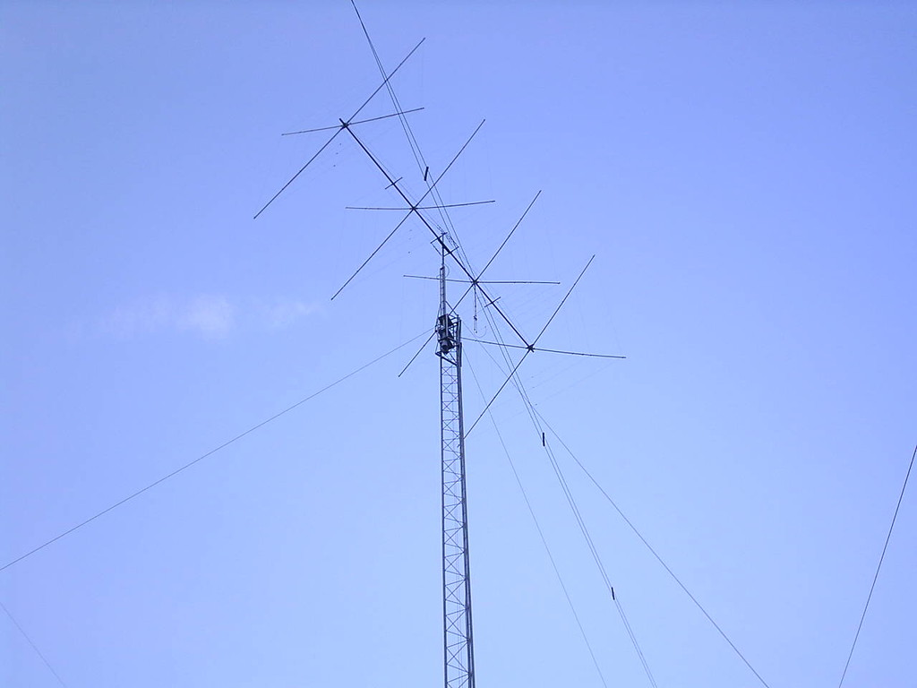 My fantastic Cubical Quad (4 el. 10,15,20m) on 25m high