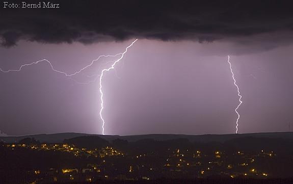 Gewitter MCS übern Erzgebirge (Nacht vom 30.6 zum 1.7.12)