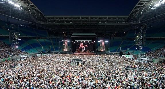 Bruce Springsteen und die E Sreet Band im ausverkauften Leipziger Stadion