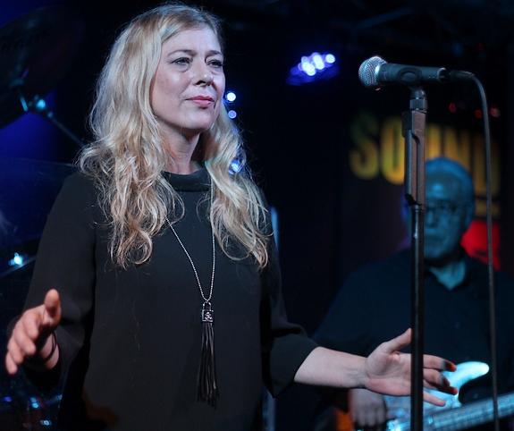 Steffi Breiting - Masterpeace - Dylan Songs mal anders interpretiert.