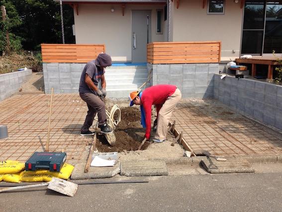 20140723 ポスト工事も建て主さんと!
