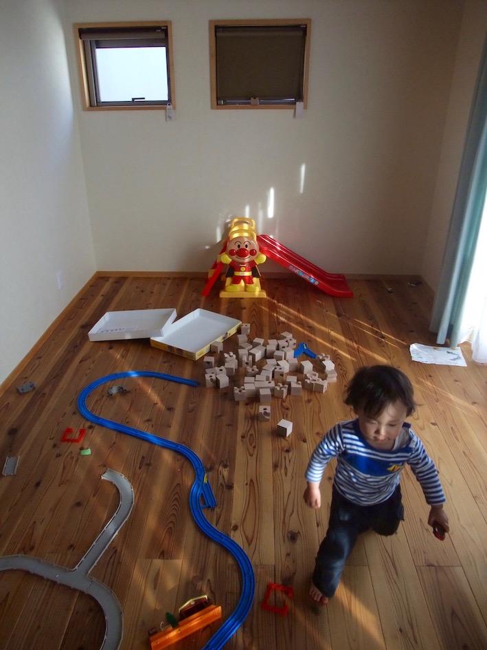 2014.04.12 大好きなおもちゃ部屋.