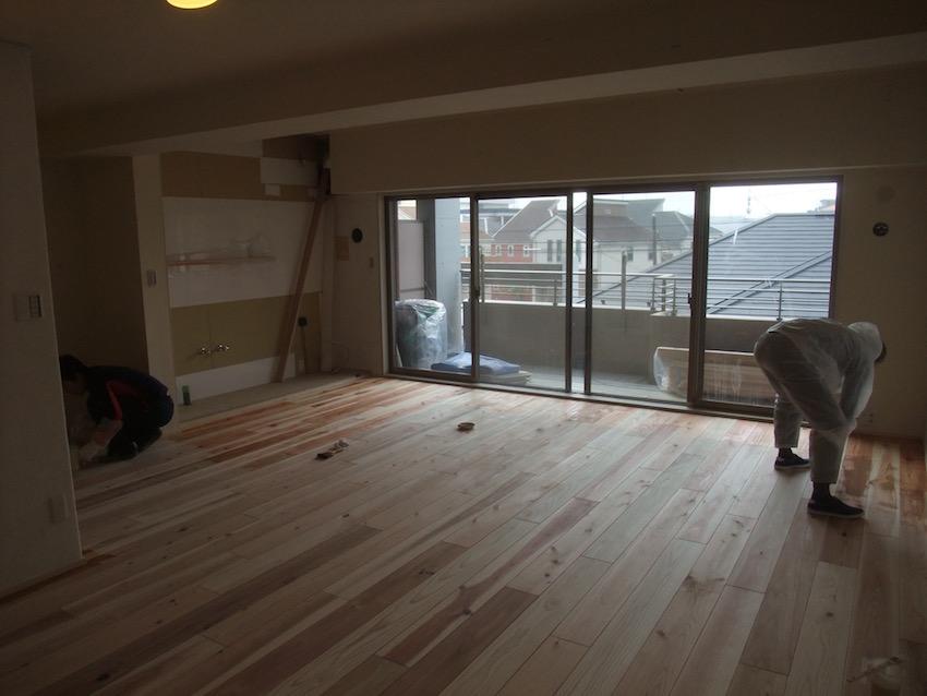 20160229 ご家族と一緒に床塗装.