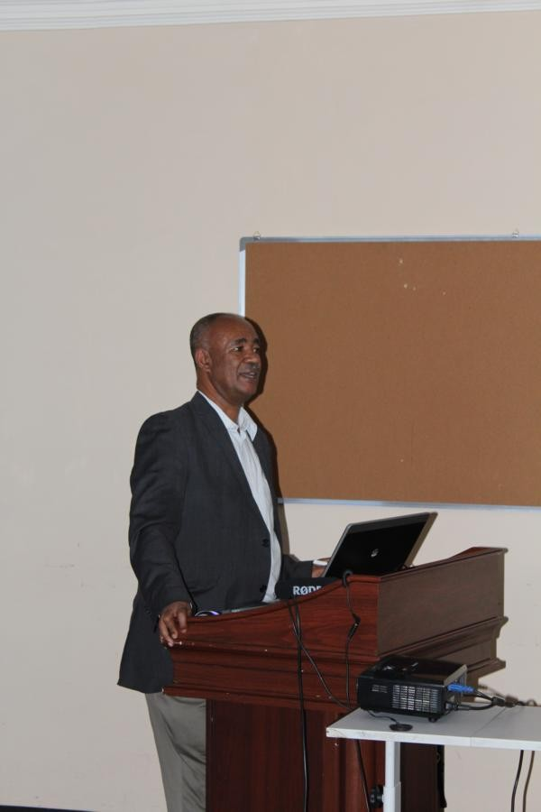 Prof. Dr. Zerihun Woldu of the Addis Ababa University giving an in troduction and explaining the  ARBONETHproject history