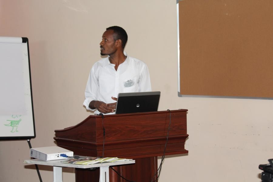 M.Sc. Solomon Estifanos shows how ex situ conservation works at Haramaya University