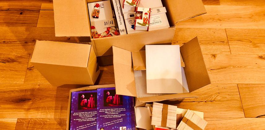 Material für die Geschenke an die Gemeindemitglieder 65 + © Heike Müller