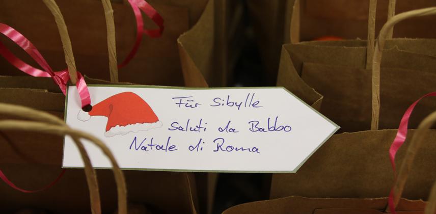 Gepackte Päckchen warten auf die Auslieferung © Rüdiger Koslowski