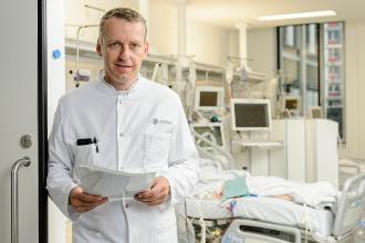 Professor Dr. med. Stefan Kluge / Foto: W&B/Ronald Frommann