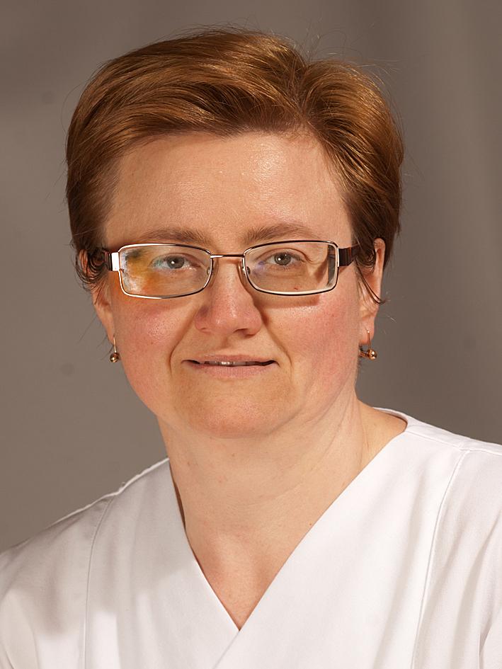 Natalie Kine hat 25-jähriges Dienstjubiläum am Krankenhaus St. Marienwörth am 1. April  Foto: Franziskanerbrüder vom Heiligen Kreuz