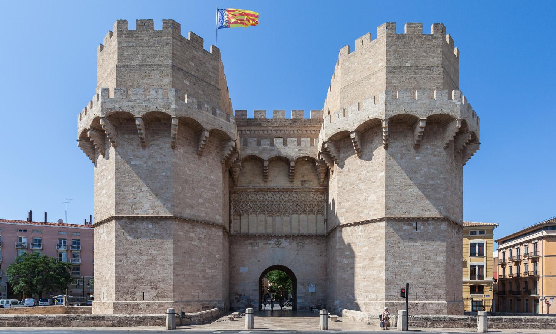 Serranos wall door