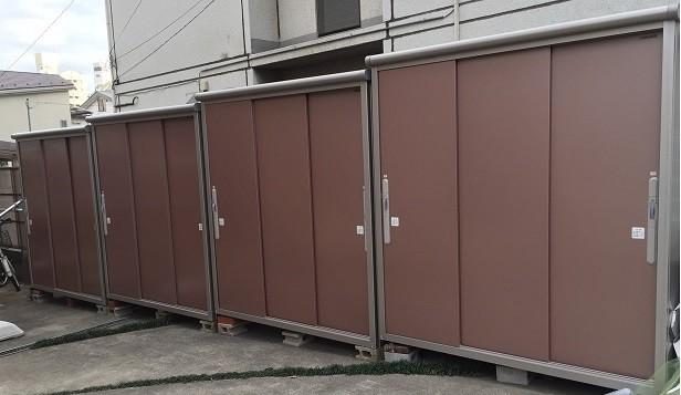 ドミトリーの収納は、室内のダイアルロックロッカーと屋外の収納が使用可能です。なるべく収納を増やしてます