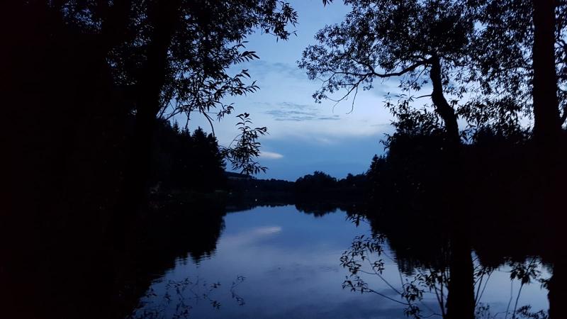 Erste Übernachtung an einem See in der Nähe von Hof