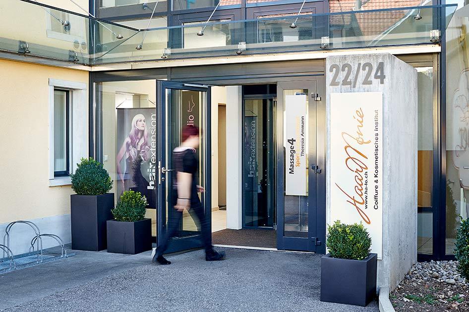 Eingang Massage-Praxis an der Huttwilstrasse in Lotzwil bei Langenthal