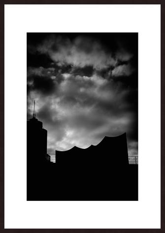 Leica Fine Art Print, Motiv: Elbphilharmonie, Hamburg. Diese Fotokunst ist zu kaufen, limitiert, exklusiv und in Galerie- Qualität