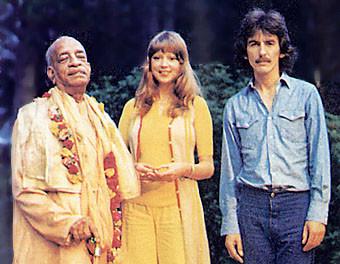 Srila Prabhupada. Patty and George Harrison(from left)