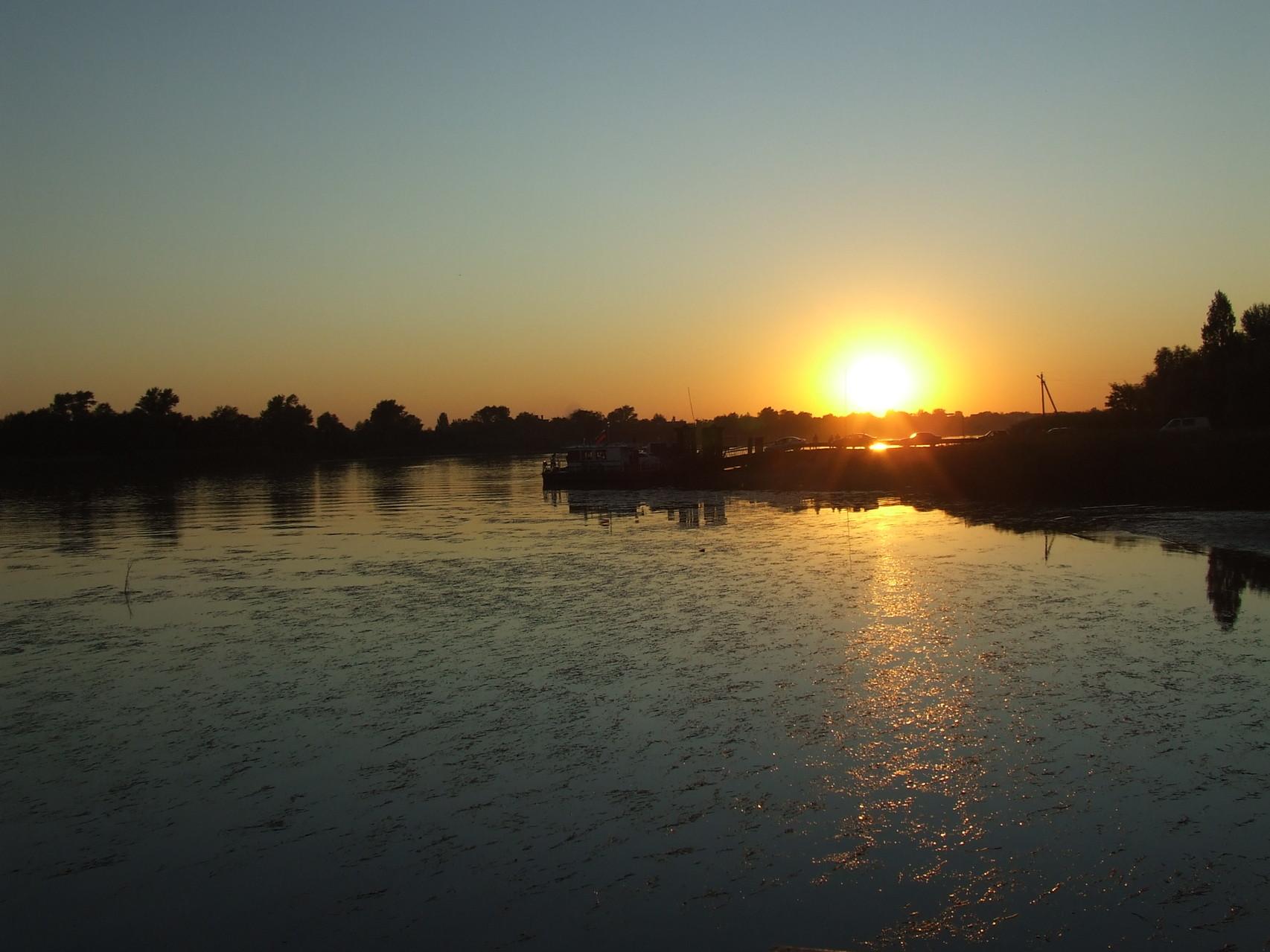 Закат на реке Дон.