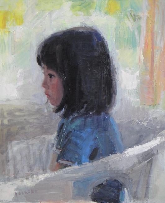 少女 娘のマリコはよくアトリエでこの形のまま動かずテレビを見ています。2011