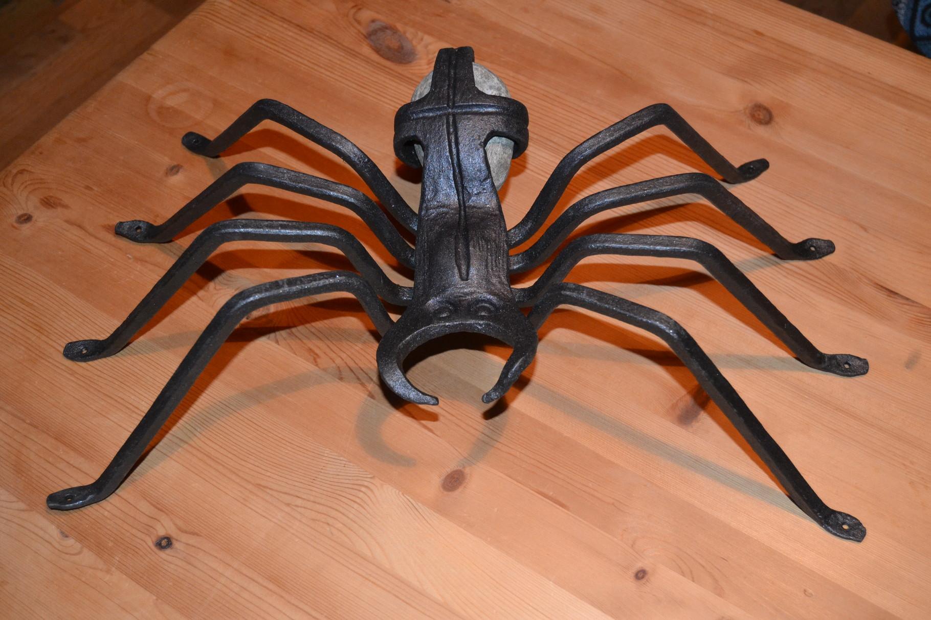Spinne ( z.B. für Blumengitter)