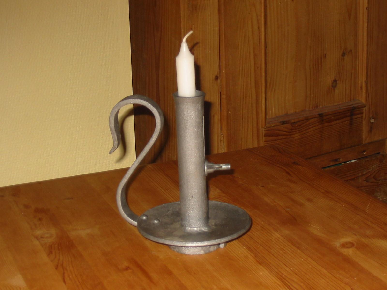 verstellbarer  Kerzenhalter