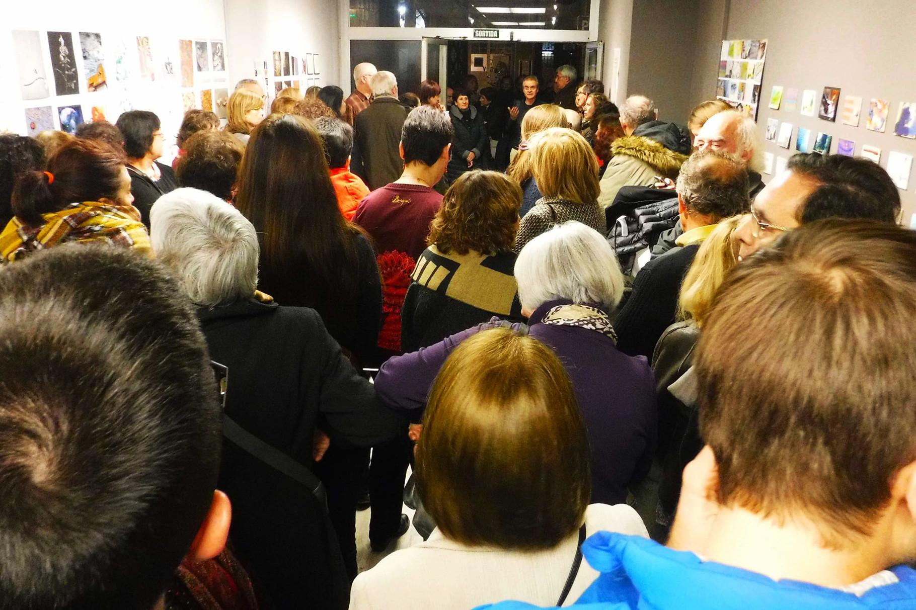 Pere Bruix, artista y curador, inaugurando la exposición.