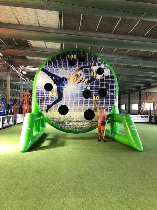 soccer-dart-trous