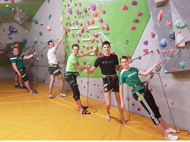 Die Klettermannschaft (von links): Josef Wiesmeier, Markus Buchner, Stefan Brandl, Werner Stütz, Tobi Fürstberger, Julia Reiterer