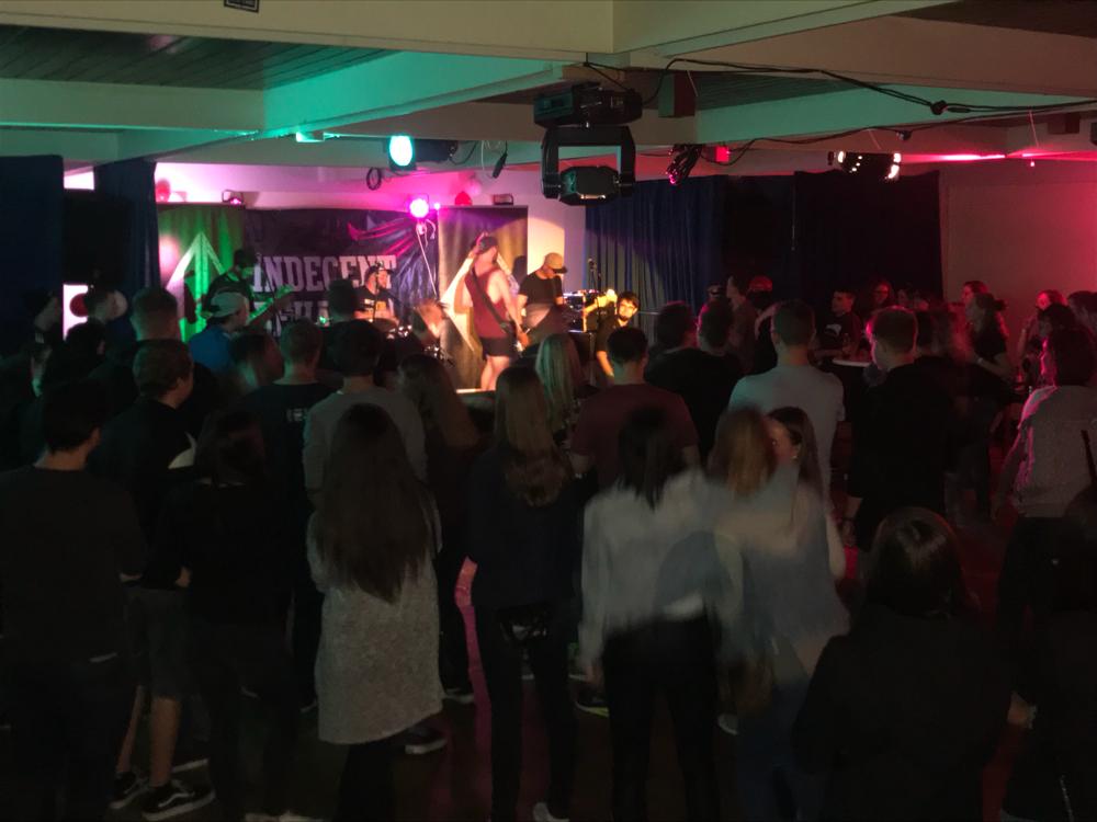 Indecent Behavior beim 1. Kirchen-Keller-Festival 2017