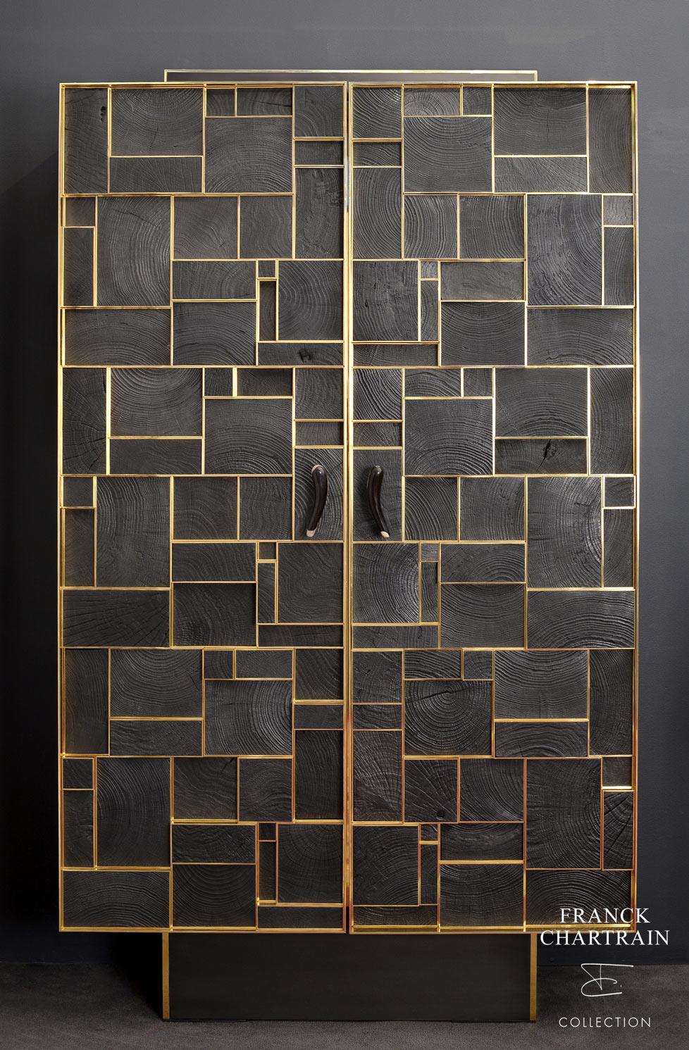 ARMOIRE PHOENIX Bronze, bois brûlé et silicifié