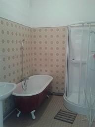 La salle de bain sur le palier