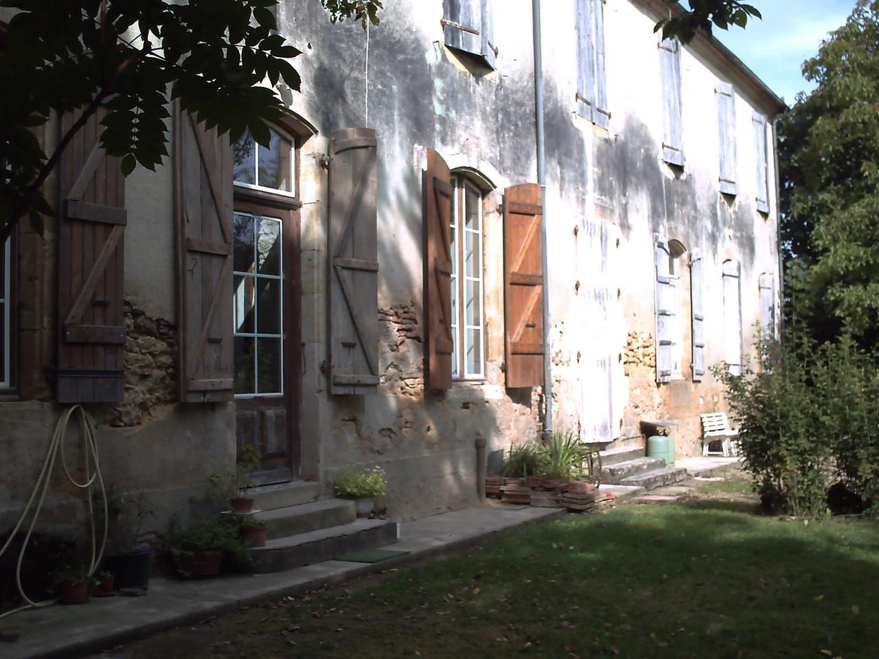 Le vieux Manoir façade est