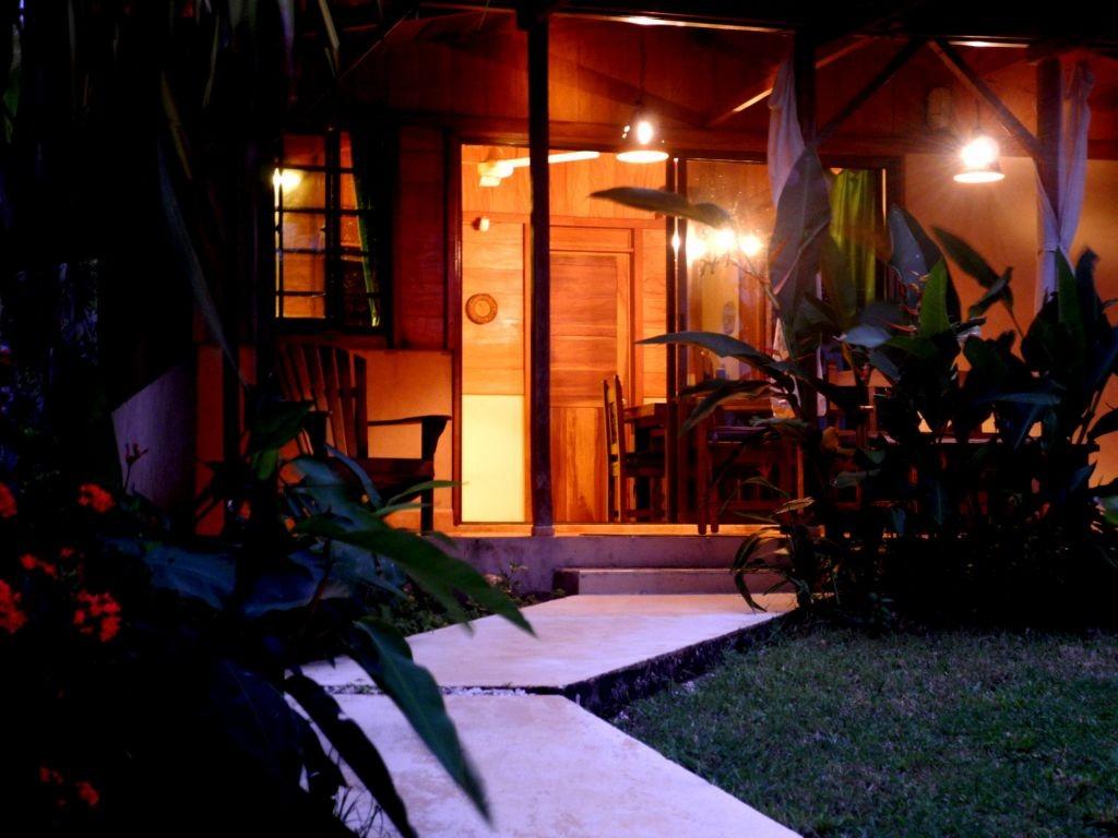 Casa Mapache bei Nacht
