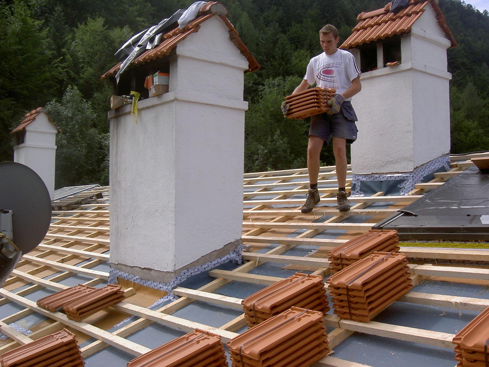 Projekt Sachrang: Komplette Neueindeckung eines denkmalgeschützten Gebäudes.