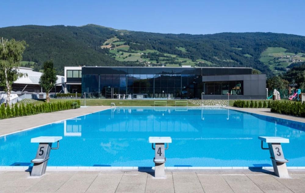 piscina esterna e lido - Balneum Vipiteno