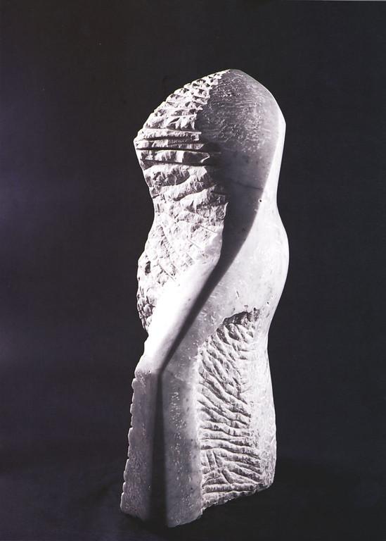 """""""Torso"""" 1998, schlesischer Marmor, H 70cm"""