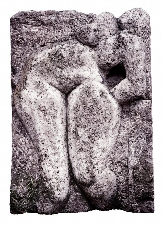 """""""Große Keckheit"""" 1985, Kalkstein, 127x90cm"""