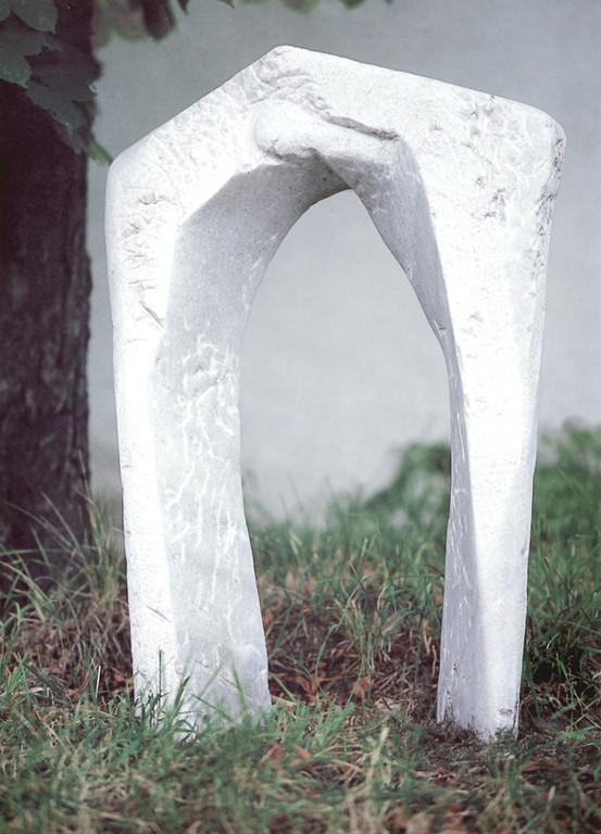 """Transspirit"" 1996, Marmor, teilweise poliert, 65x12x40cm"