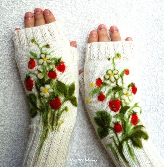 Вышивка цветов на вязаных изделиях