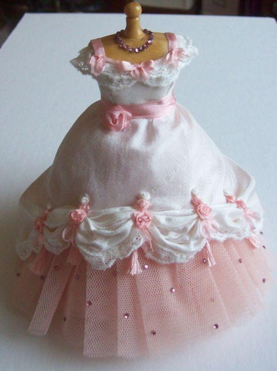 платья для кукол, одежда для игрушек, аксессуары  для кукол, кукольный домик, кукольная обувь