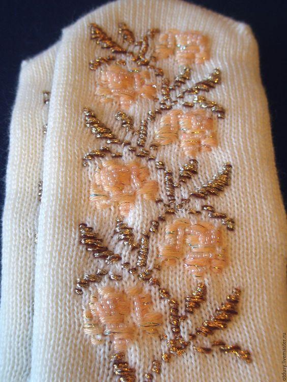 вышивка на трикотаже, вышивка на вязаных вещах, вышивка шерстью