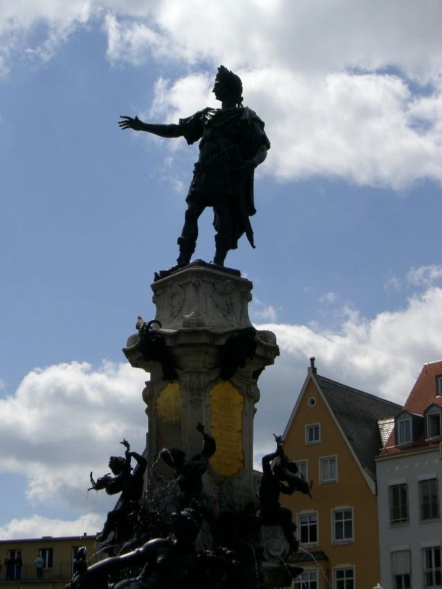 Kaiser Augustus!