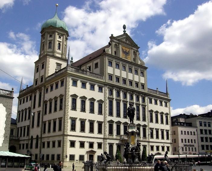Das Rathaus - mit goldenem Saal!