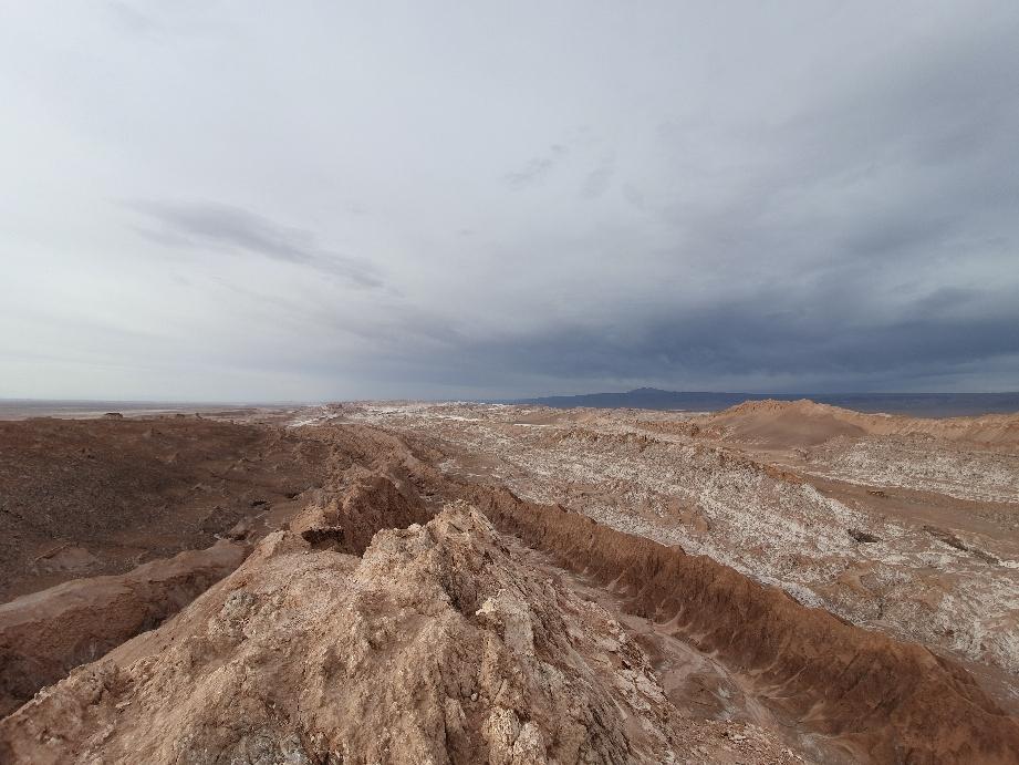 Mondlandschaft mit Salzstreifen