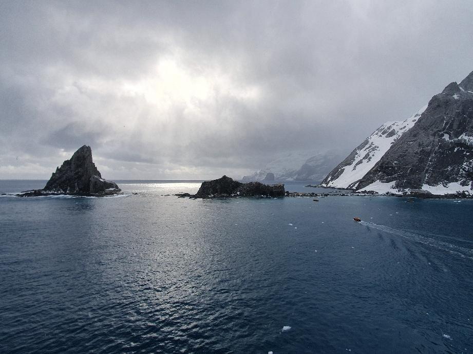 Elephant Island - die kleine Landzunge rechts , dort war das Shackleton Camp